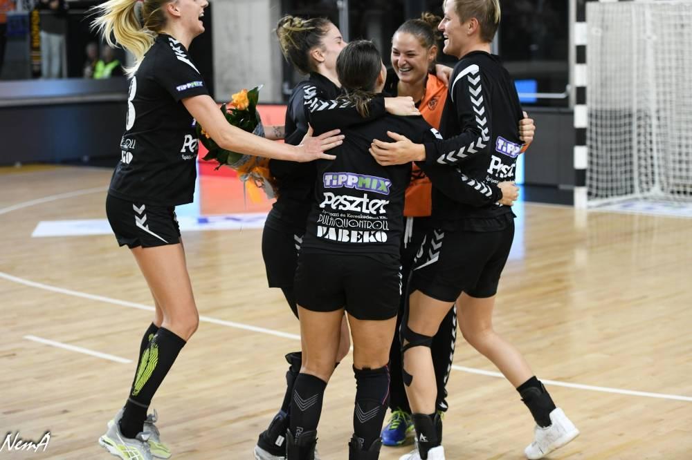 Szikora és Hársfalvi is a hét csapatában